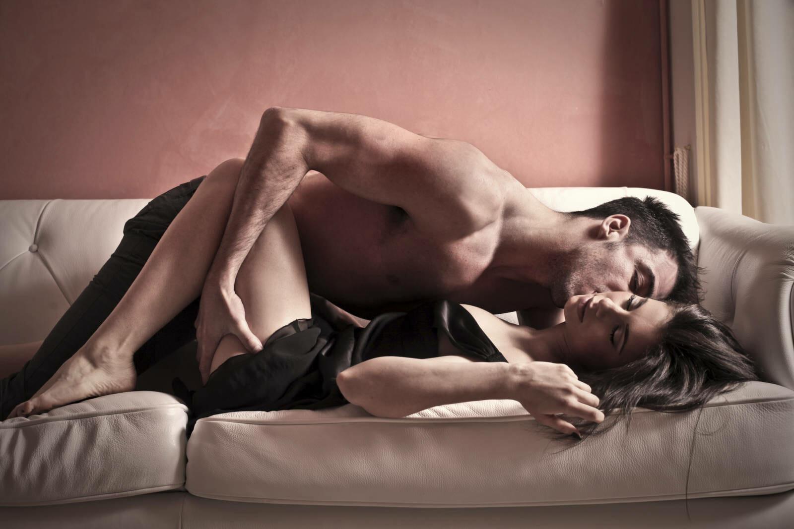 сексуальные фото женщины и мужчины работающую агентом трахнули